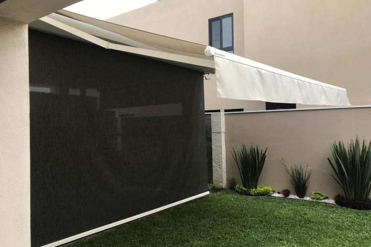 Toldos Enrollables para Jardin en Screen Negro